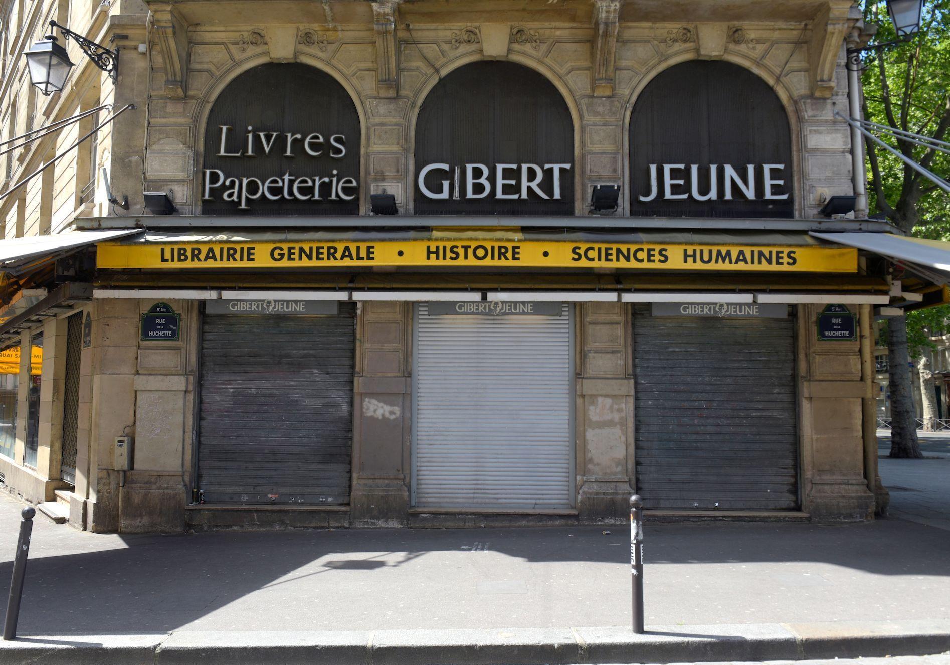 Devanture Gibert Jeune fermée